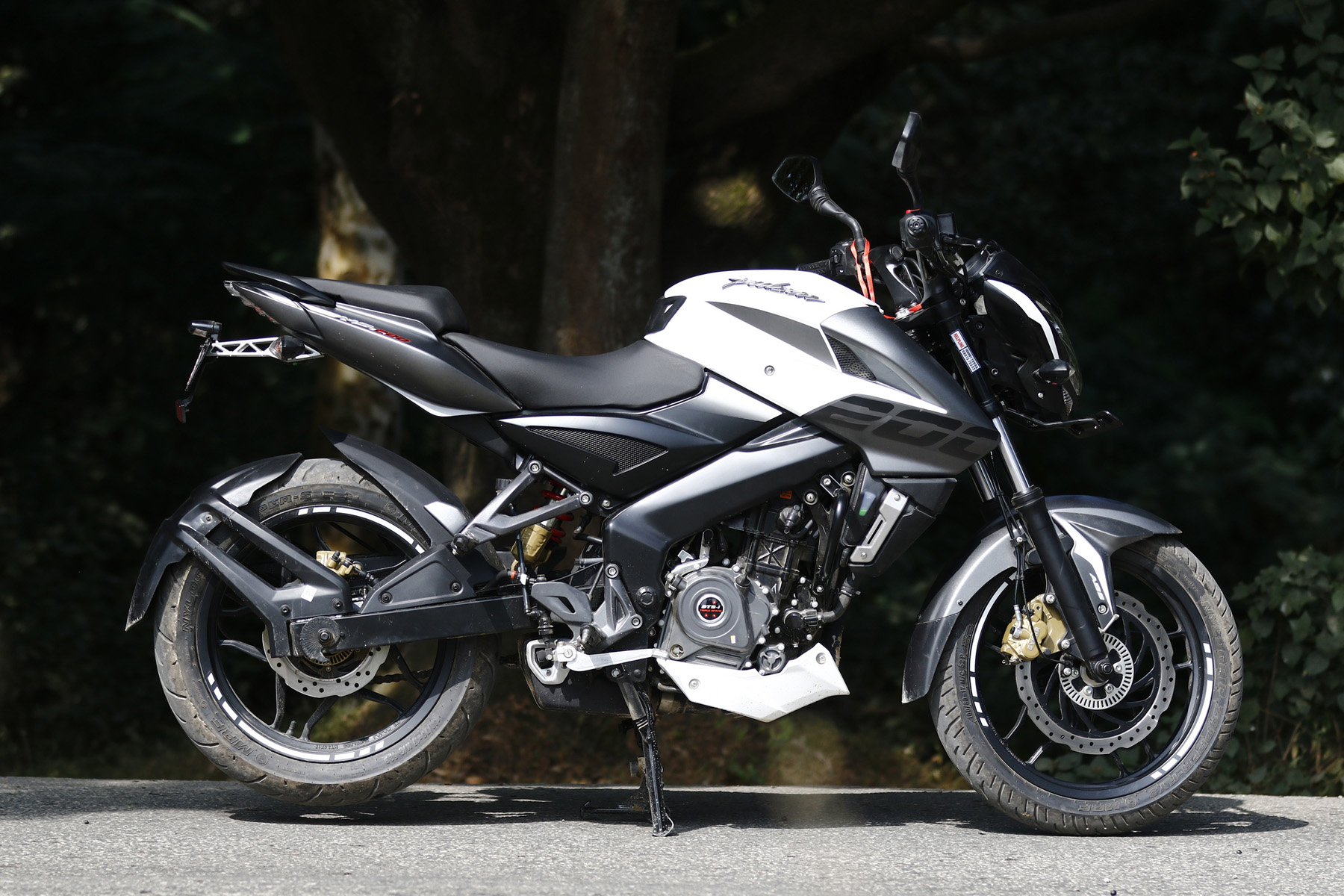 Pulsar 200 Abs Ticking All The Right Boxes